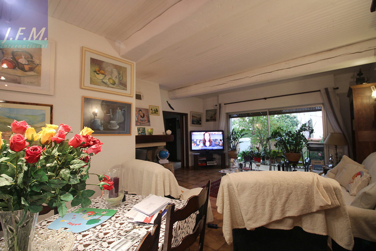 Vente saint cyprien village maison 150 m2 garage for Prix maison 150 m2 rt 2012